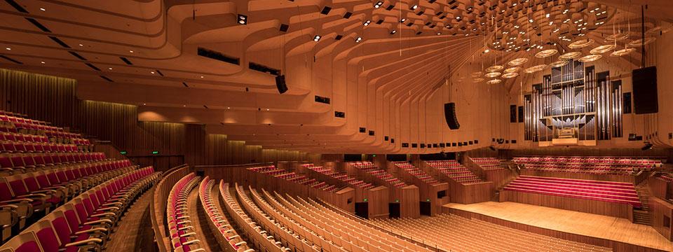 http://www.ramonaluengen.com/wp-content/uploads/2013/01/Comp-Performer-3.jpg