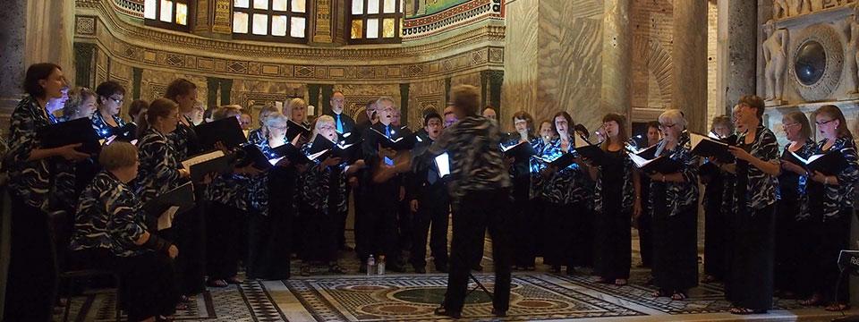 http://www.ramonaluengen.com/wp-content/uploads/2013/01/Conductor-Premieres-2.jpg